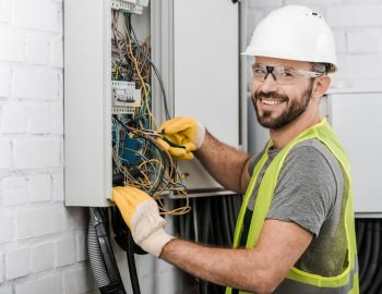 Top Reasons When It's Time To Call An Electrician