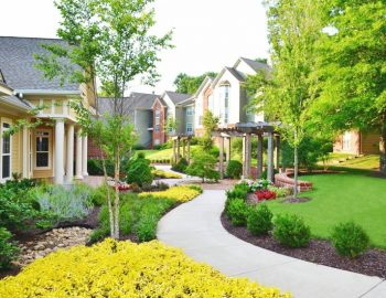 Commercial landscaping services in Minneapolis