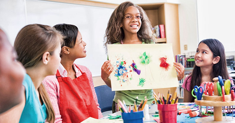 Several kinds of art classes currently available